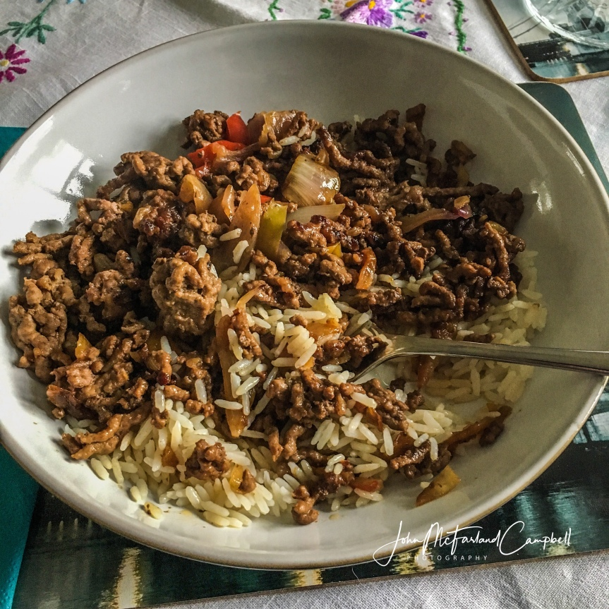 Savoury mince with peppers, onion, and coriander
